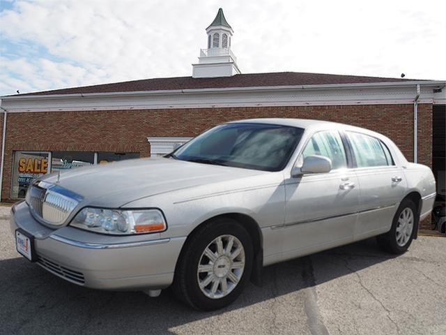 2006 Lincoln Town Car Signature Limited For Sale Salem Oh 4 6 8